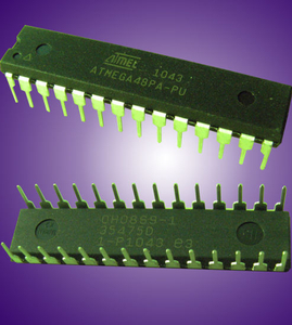 Orginal and New Logic IC for Electronic Engineering (Atmega 48PA-PU)